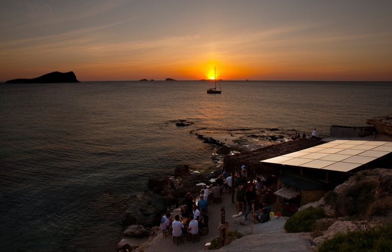 CHIRINGUITO CALA ESCONDIDO Ibiza